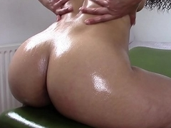 Oily Ass clapping