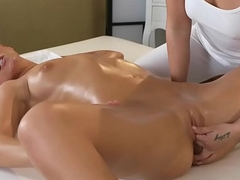 Massage Rooms Stunning athletic light-complexioned lesbian acquires an orgasmic massage